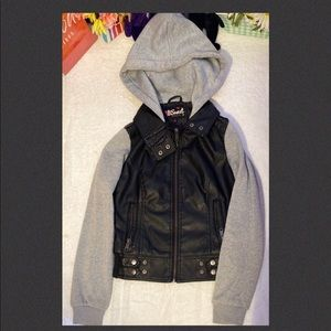 😎Be Sweet black and gray jacket size M (girl)
